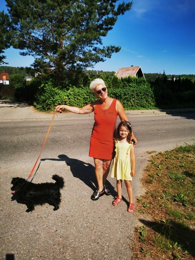 As su kaimine Karin ir suniukas Kin